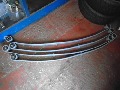 Capri Mk3 2.8i single leaf springs with bushes x 1 pair